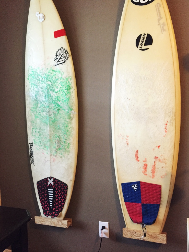 diy-surfboard-stand-1